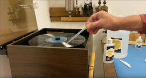 Using RCM fluid on vacuum-style record cleaning machine